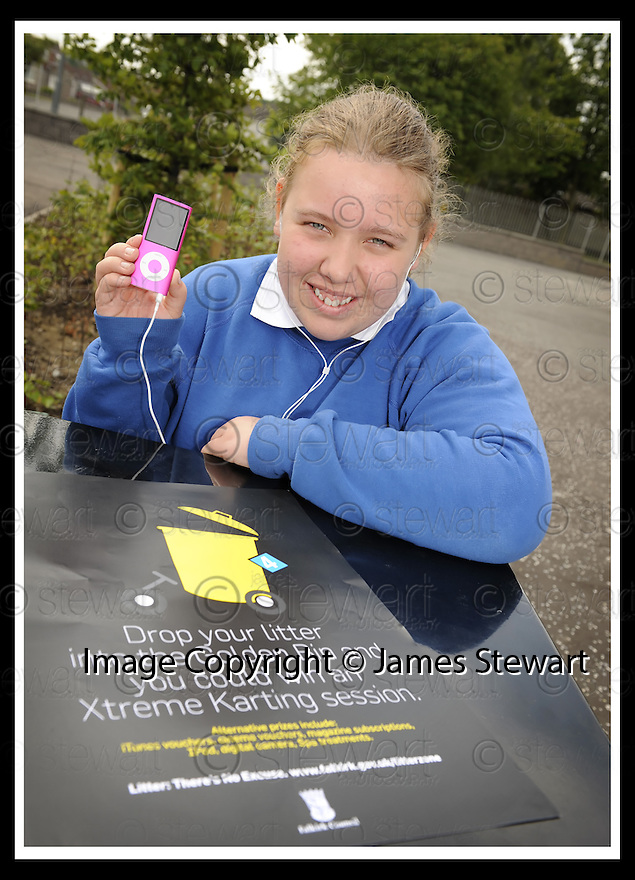 25/06/2009  Copyright  Pic : James Stewart.01_golden_bin  .::  GOLDEN BIN WINNER LAREN JARVIE, 2ND YEAR, GRANGEMOUTH HIGH SCHOOL, WITH  HER IPOD PRIZE :: .James Stewart Photography 19 Carronlea Drive, Falkirk. FK2 8DN      Vat Reg No. 607 6932 25.Telephone      : +44 (0)1324 570291 .Mobile              : +44 (0)7721 416997.E-mail  :  jim@jspa.co.uk.If you require further information then contact Jim Stewart on any of the numbers above.........