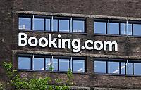 Nederland Amsterdam 2020 . Kantoor van Booking.com aan het Rembrandtplein. Foto Berlinda van Dam / Hollandse Hoogte