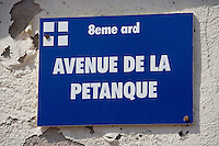 Europe/France/Provence-Alpes-Côte d'Azur/13/Bouches-du-Rhône/Marseille : Plaque de rue au port des Goudes ,tout un programme