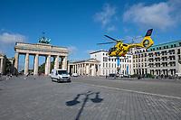 2020/08/25 Berlin | ADAC-Huschrauber | Brandenburger Tor