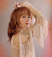 Photo officielle de Mara Tremblay,2020 par Andy Jon.<br /> <br /> Le huitième album de Mara Tremblay, Uniquement pour toi, disponible  mai 2020.