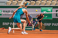 Paris, France, 27 May, 2018, Tennis, French Open, Roland Garros, Match between  AljaTomljanovic (AUS) background and Elina Svitolina (UKR)<br /> Photo: Henk Koster/tennisimages.com