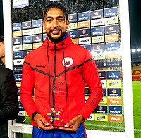 BOGOTÁ-COLOMBIA, 26-01-2020: Jeison Medina de Deportivo Pasto, el premio al mejor jugador al término de partido entre Millonarios y Deportivo Pasto de la fecha 1 por la Liga BetPlay DIMAYOR 2020 jugado en el estadio Nemesio Camacho El Campín de la ciudad de Bogotá. / Jeison Medina of Deportivo Pasto, receives the best player prize after the match between Millonarios and Deportivo Pasto of the 1st date for the BetPlay DIMAYOR Leguaje I 2020 played at the Nemesio Camacho El Campin Stadium in Bogota city, Photo: VizzorImage / Daniel Garzón / Cont.