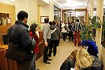 UNE FLASHMOB POUR  ENFANTS....Repetition du 27 novembre 2009..Organisée par l'ONG « La Chaîne de l'Espoir », cette opération a pour but de collecter des dons pour financer les opérations chirurgicales dont ont besoin 24 enfants issus du monde entier et qui ne peuvent subir, dans leur pays, l'acte médical simple qui leur sauvera la vie.....Faire buzzer cette opération est vital ! C'est pourquoi, La BAB s'est associée à Marie-Agnès Gillot, danseuse étoile de l'Opéra de Paris, pour organiser un grand happening artistique.....LE BUT : Réunir 300 personnes (danseurs ET amateurs) autour des danseurs de l'Opéra de Paris. Ensemble et grâce aux conseils de professionnels, nous reproduirons une chorégraphie simple mais coordonnée afin d'offrir un spectacle spontané et très éphémère aux passants qui se trouveront sur le lieu de performance...Choregraphie : Marie Agnes Gillot..Compagnie : ..Decor : ..Lumiere : ..Costumes : ..Avec :..NOM Prenom..Lieu : Opera Garnier..Ville : Paris..Le : 27 11 2009..© Laurent PAILLIER / photosdedanse.com..All rights reserved