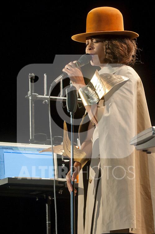 Erykah Badu in concert .July 17, 2012. (ALTERPHOTOS/Ricky)