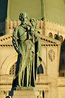 Canada, Montreal, Mount Royal, Saint Josephs Oratory, Statue of Joseph and Jesus