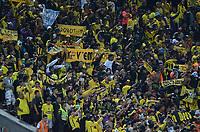 MEDELLIN  -  COLOMBIA - 25 - 05 - 2017: Los hinchas de Barcelona, animan a su equipo, durante partido de la fase de grupos, grupo 1 fecha 6, entre Atletico Nacional y Barcelona de Ecuador, por la Copa Conmebol Libertadores Bridgestone 2017, en el Estadio Atanasio Girardot, de la ciudad de Medellin. / Fans of Barcelona, cheer for their team during a match for the group stage, group 1 of the date 6th, between Atletico Nacional of Colombia and Barcelona of Ecuador, for the Conmebol Libertadores Bridgestone Cup 2017, at the Atanasio Girardot, Stadium, in Medellin city. Photos: VizzorImage / Leon Monsalve / Cont.