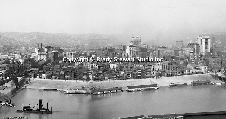 Pittsburgh PA - View of the city of Pittsburgh from Mt Washington.  View of the Pittsburgh skyline, featuring the Henry Oliver and Frick buildings.