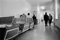 ARCHIVE -<br /> Asile Saint-Jean-de-Dieu<br /> ,Janvier 1973<br /> <br /> Photo : Agence Quebec Presse  - Alain Renaud