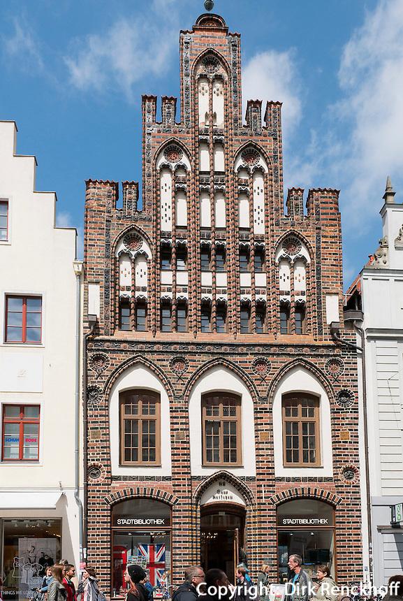 Haus Ratschow (Backsteingotik) in der Kröpeliner Straße  in Rostock, Mecklenburg-Vorpommern, Deutschland
