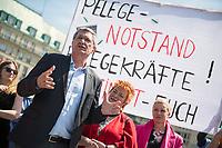 """Pflege in Bewegung - Bundesweite Gefaehrdungsanzeige.<br /> Am Freitag den 12. Mai fand in Berlin zum """"Internationaler Tag der Pflege"""" die Abschlussveranstaltung der Aktionskampagne """"bundesweite Gefaehrdungsanzeige"""" am Brandenburger Tor statt.<br /> Neben Redebeitraegen von Politik gab es es Statements von Initiatoren der Kampagne und Aktivisten der Pflegeszene, sowie Politiker der Linkspartei, der SPD und der Gruenen. Erstmals wurde das Strategiepapier """"Zukunft(s)Pflege"""" oeffentlich vorgestellt.<br /> Im Anschlus wurden ueber 8.500 Unterschriften im Bundesgesundheitsministerium uebergeben.<br /> Im Bild vlnr.: Bernd Riexinger, Parteivorsitzender der Linkspartei, Mechthild Rawert von B90/Gruene und Elisabeth Scharfenberg von der SPD.<br /> 12.5.2017, Berlin<br /> Copyright: Christian-Ditsch.de<br /> [Inhaltsveraendernde Manipulation des Fotos nur nach ausdruecklicher Genehmigung des Fotografen. Vereinbarungen ueber Abtretung von Persoenlichkeitsrechten/Model Release der abgebildeten Person/Personen liegen nicht vor. NO MODEL RELEASE! Nur fuer Redaktionelle Zwecke. Don't publish without copyright Christian-Ditsch.de, Veroeffentlichung nur mit Fotografennennung, sowie gegen Honorar, MwSt. und Beleg. Konto: I N G - D i B a, IBAN DE58500105175400192269, BIC INGDDEFFXXX, Kontakt: post@christian-ditsch.de<br /> Bei der Bearbeitung der Dateiinformationen darf die Urheberkennzeichnung in den EXIF- und  IPTC-Daten nicht entfernt werden, diese sind in digitalen Medien nach §95c UrhG rechtlich geschuetzt. Der Urhebervermerk wird gemaess §13 UrhG verlangt.]"""