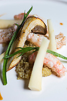 Europe/Belgique/Flandre/Flandre Occidentale/Bruges: Langoustine , cèpes, racines de persil, quinoa, recette de Patrick Devos, Restaurant: Patrick Devos // Belgium, Flanders, Bruges, Lobster, mushrooms, parsley roots, quinoa, Recipe Patrick Devos, Restaurant Patrick Devos