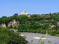 Bagrati-Kathedrale und Rioni-Fluss, Kutaisi, Imeretien - Imereti;, Georgien, Europa<br /> Bagrati cathedral and river Rioni, Kutaisi,  Inereti,  Georgia, Europe