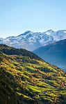Oesterreich, Kaernten, bei Winklern: Herbststimmung mit Almen und Bergbauernhoefen im Moelltal | Austria, Carinthia, near Winklern: autumn scenery with alpine pastures and mountain faramhouses at Moell Valley