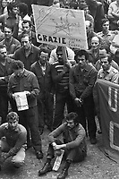 - trade-union assembly in the Arese plant of Alpha Romeo car factory (Milan, 1976)....- assemblea sindacale nello stabilimento della fabbrica di automobili Alfa Romeo di Arese (Milano, 1976)