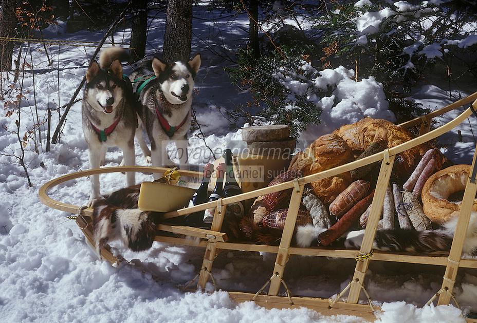 Europe/France/Rhône-Alpes/38/Isère/Vercors/Villard-de-Lans: chiens de traîneau et traîneau chargé de victuailles du Vercors