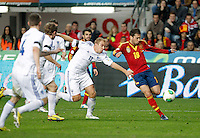Spain's Jordi Alba (r) and Finland's Arkivuo during international match of the qualifiers for the FIFA World Cup Brazil 2014.March 22,2013.(ALTERPHOTOS/Victor Blanco)