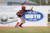 Batavia Muckdogs second baseman Samuel Castro (5) waits for a throw on a pickoff play during the first game of a doubleheader against the Williamsport Crosscutters on August 20, 2017 at Dwyer Stadium in Batavia, New York.  Batavia defeated Williamsport 6-5.  (Mike Janes/Four Seam Images)