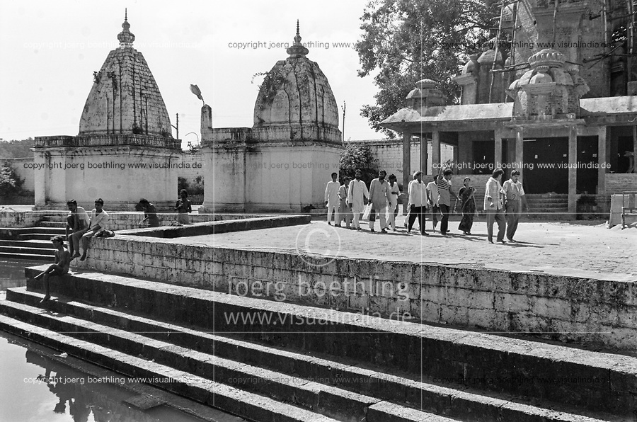 India, Narmada River, Narmada dams and protest movement of NBA Narmada Bachao Andolan, movement to save the Narmada river, and affected Adivasi in their villages, Narmada Yatra in November 1993, protest march from Narmada source in Amarkantak to Bharuch, the mouth of Narmada river to the Indian ocean, temple at Amarkantak a pilgrimage site as the Narmada river is a holy river