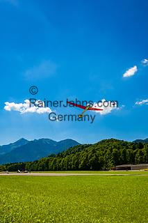 Ddeutschland, Bayern, Chiemgau, Unterwoessen: Deutschen Alpensegelflugschule Unterwoessen - DASSU - Windenstart | Germany, Bavaria, Chiemgau, Unterwoessen: German Gliding School Unterwoessen - DASSU - winch lauch