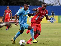 MONTERIA - COLOMBIA, 07-03-2021: Wilder Guisao de Jaguares de Cordoba F.C. y Jose Leudo de Patriotas Boyaca F. C. disputan el balón durante partido entre Jaguares F. C. y Patriotas Boyaca F. C. de la fecha 11 por la Liga BetPlay DIMAYOR I 2021, en el estadio Jaraguay de Monteria de la ciudad de Monteria. / Wilder Guisao of Jaguares de Cordoba F.C. and Jose Leudo of Patriotas Boyaca F. C. vie for the ball during a match between Jaguares F. C. and Patriotas Boyaca F. C., of the 11th date for the Betplay DIMAYOR I 2021 League at Jaraguay de Monteria Stadium in Monteria city. Photo: VizzorImage / Andres Lopez / Cont.