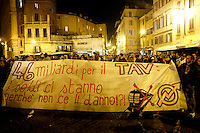 Manifestazione No Tav nei pressi dell'Ambasciata di Francia in occasione del vertice intergovernativo italo-francese a Roma, 20 novembre 2013.<br />