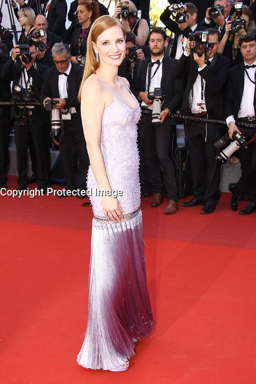 Jessica Chastain sur le tapis rouge pour la projection du film en competition OKJA lors du soixante-dixiËme (70Ëme) Festival du Film ‡ Cannes, Palais des Festivals et des Congres, Cannes, Sud de la France, vendredi 19 mai 2017.