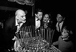 SEAN CONNERY , HELMUT BERGER, URSULA ANDRESS, JEAN CLAUD FRIEDERICH E IL FIGLIO DIMITRI HAMLIN<br /> FESTA ALL'ACROPOLIS PER URSULA ANDRESS ROMA 1986