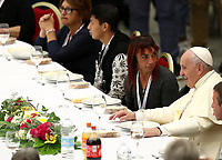 Papa Francesco pranza con i bisognosi in Aula Paolo VI in Vaticano in occasione della Giornata Mondiale dei Poveri. 17 novembre 2019.<br /> Pope Francis has lunch with guests, on November 17, 2019, at the Paul VI audience hall in Vatican, to mark the World Day of the Poor.<br /> UPDATE IMAGES PRESS/Isabella Bonotto<br /> <br /> STRICTLY ONLY FOR EDITORIAL USE