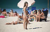 RIO DE JANEIRO, 29.06.2013 - CLIMA TEMPO / RIO DE JANEIRO - Movimentação na Praia do Leblon na cidade do Rio de Janeiro, neste sábado, 29. (Foto: William Volcov / Brazil Photo Press).