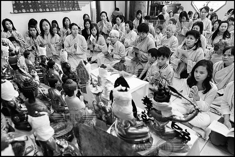 Verdensreligioner / Buddhisme.Kun til gjennomsyn.Foto:.Ken Opprann,.Helgesensgate 10,.0553 Oslo.mob: 90746150.e-mail: kenopprann@hotmail.com.website: www.kenopprann.no