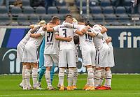 Hoffenheim schwoert sich ein<br /> - 03.10.2020: Fussball  Bundesliga, Saison 20/21, Spieltag 3, Eintracht Frankfurt vs. TSG 1899 Hoffenheim, emonline, emspor, v.l. Deutsche Bank Park<br /> Foto: Marc Schueler/Sportpics.de <br /> Nur für journalistische Zwecke. Only for editorial use. (DFL/DFB REGULATIONS PROHIBIT ANY USE OF PHOTOGRAPHS as IMAGE SEQUENCES and/or QUASI-VIDEO)