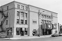 Les cinemas de Montreal dans les années 80<br /> <br /> Cinema V, rue Sherbrooke Ouest, NDG, Juin 1998