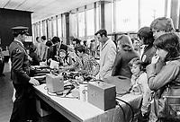 Journee Porte ouvertes a la SQ, rue Parthenais, Mai 1973<br /> <br /> PHOTO :  Agence quebec Presse - Alain Renaud