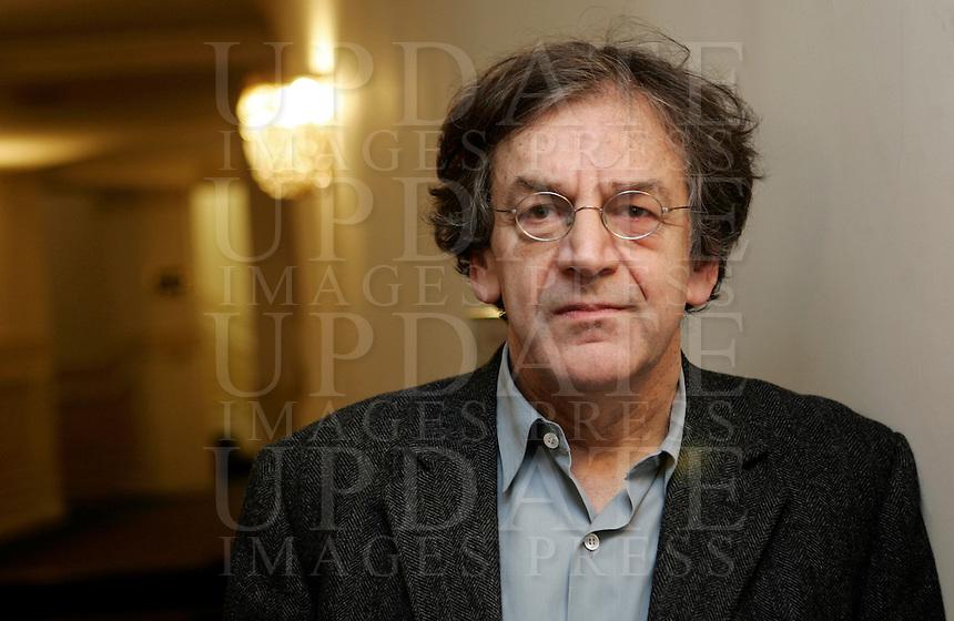"""Il filosofo francese Alain Finkielkraut presenta il suo libro """"Che cos'e' la Francia?"""" a Roma, 4 marzo 2008..French philosopher Alain Finkielkraut presents his book """"Qu'est-ce que la France?"""" in Rome, 4 march 2008..UPDATE IMAGES PRESS/Riccardo De Luca."""