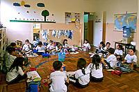 Classe de pré-escola em colégio do Tatuapé. São Paulo. 2002. Foto de Juca Martins.