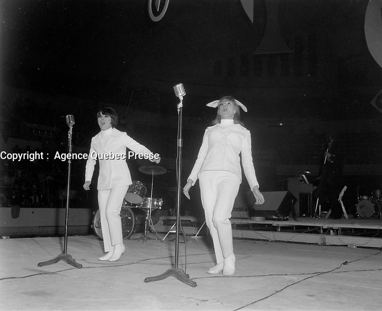 Dominique Michel <br /> et Denise Filliatrault,<br /> Gala des artiste, 20 juin 1966