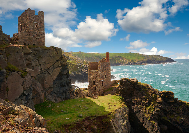 Ruined engine houses of Botallack Tin Mine, Near St Agnes, Cornwall