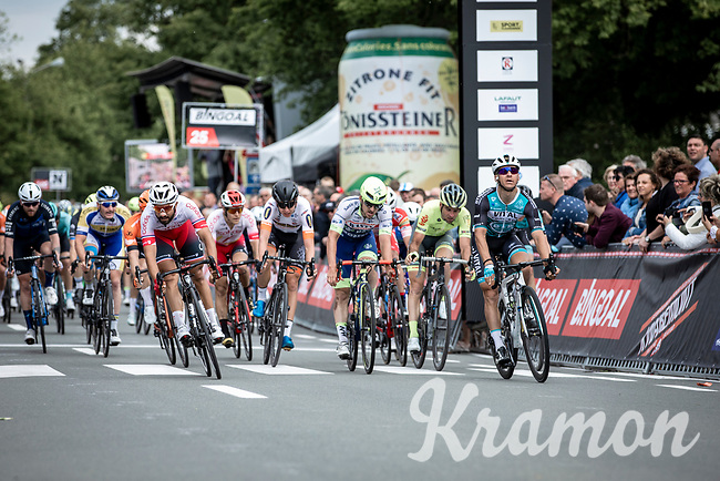 Bryan Coquard (FRA/Vital Concept - B&B Hotels) wins the close sprint with Nacer Bouhanni (FRA/Cofidis) and Alfdan De Decker (BEL/Wanty Groupe Gobert)<br /> <br /> GP Marcel Kint 2019 (BEL)<br /> One Day Race: Kortrijk – Zwevegem 188.10km. (UCI 1.1)<br /> Bingoal Cycling Cup 2019