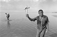 """- religious ceremony of the neo  evangelical sect of """"Maziones"""" on the beach of Maputo<br /> <br /> - cerimonia religiosa della setta neo evangelica dei """"Mazioni"""" sulla spiaggia di Maputo"""