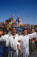 Europe/France/Provence-Alpes-Côte d'Azur/13/Bouches-du-Rhône/Camargue/Les Saintes Maries de la Mer: Pélerinage des gitans - La procession