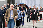 © Joel Goodman - 07973 332324 . 28/09/2016 . Liverpool , UK . Delegates arrive in gusty rain for the final day of the Labour Party Conference at the ACC in Liverpool . Photo credit : Joel Goodman