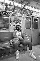 - New York, in the underground<br /> <br /> - New York, in metropolitana