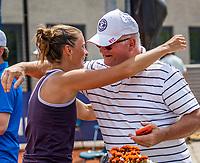Amstelveen, Netherlands, 10 Juli, 2021, National Tennis Center, NTC, Amstelveen Womans Open, Singles final:  Quirine Lemoine (NED) celebrates her win over Mordiger (GER) with her father<br /> Photo: Henk Koster/tennisimages.com