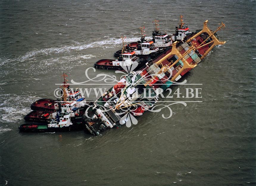 8 december 1994. De Pioner Onegi maakte op 8 december 1994 op weg van Antwerpen naar zee, zoveel slagzij dat sleepboten het schip tegen de slikken voor Bath moesten duwen om kapseizen te voorkomen. De Pioner had te veel containers aan boord en was verkeerd geladen.