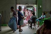 """Supporters of former Bolivian President Evo Morales, known as coca growers """"cocaleros"""", work in the local coca market, in Entre Rios, Chapare province, Bolivia. November 27, 2019.<br /> Les partisans de l'ancien président bolivien Evo Morales, connus sous le nom de cultivateurs de coca """"cocaleros"""", travaillent sur le marché local de la coca, à Entre Rios, province du Chapare, Bolivie. 27 novembre 2019."""