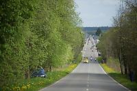 peloton approaching<br /> <br /> Liège-Bastogne-Liège 2014