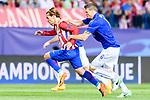 Antoine Griezmann of Atletico de Madrid battles for the ball with Robert Huth of Leicester City during their 2016-17 UEFA Champions League Quarter-Finals 1st leg match between Atletico de Madrid and Leicester City at the Estadio Vicente Calderon on 12 April 2017 in Madrid, Spain. Photo by Diego Gonzalez Souto / Power Sport Images