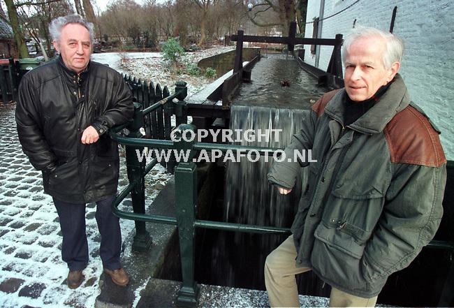 Arnhem,17-02-99  Foto:Koos Groenewold (APA-Foto)<br />Initiatiefnemer van het `Riolonder` dhr.M Waalboer (r) <br />en J.Morsink(l).<br /><br />Foto hoort bij verhaal van Job Slok (APA-Redaktie)