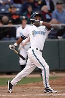July 6 2009: Ryan Royster of the Everett AquaSox bats against the Yakima Bears at Everett Memorial Stadium in Everett,WA.  Photo by Larry Goren/Four Seam Images